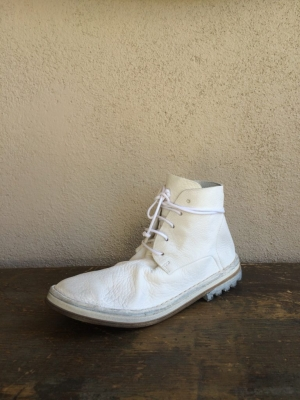 SOFT WHITE LACEUP BOOT